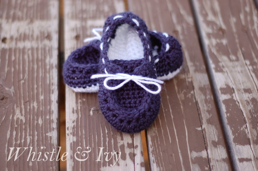 Toddler Boat Slippers Crochet Pattern - Whistle and Ivy