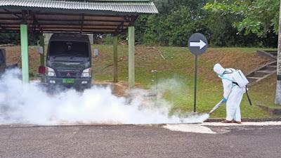 Cegah Penyakit DBD, Kodim 0315/Bintan dan Asparnas Kepri Lakukan Fogging di Seluruh Area Makodim 0315/Bintan