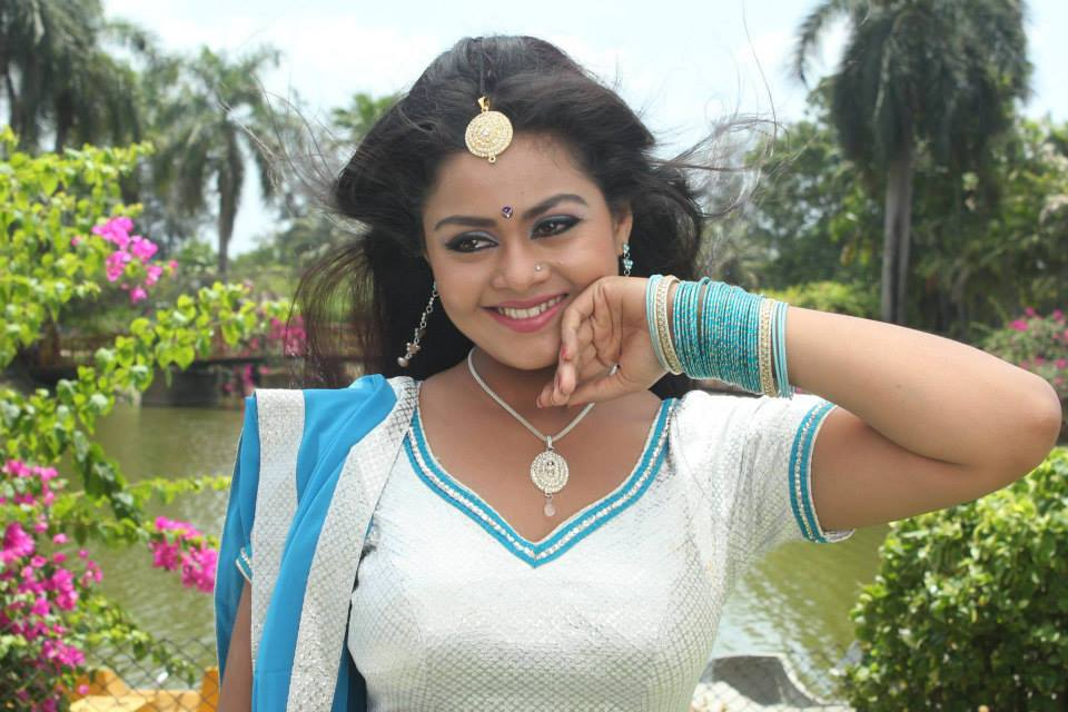 Bhojpuri Actress Tanushree Chattrjee Upcoming Movies List 2016, 2017, 2018, poster trailer, Tridev, Kalua Crorepati on Mt Wiki. wikipedia, koimoi, imdb, facebook, twitter news, photos, poster, actress updates of Tanushree