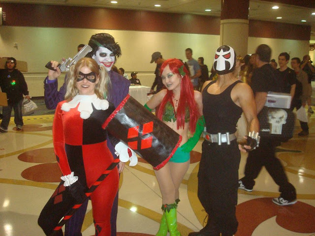 COSPLAY: Joker, Harley Quinn, Bane and Poison Ivy
