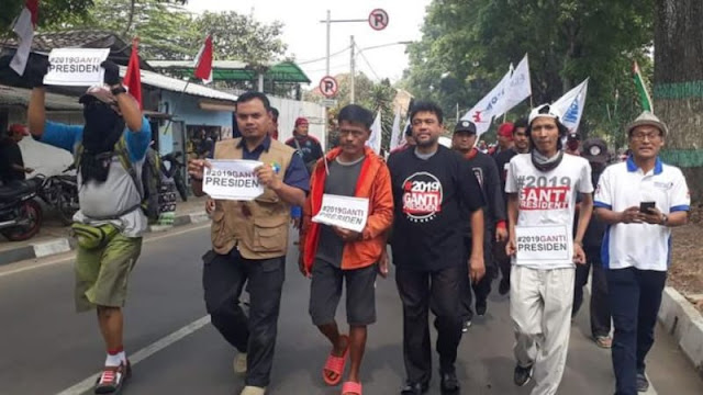Longmarch Buruh Dukung Prabowo Tiba di Bandung