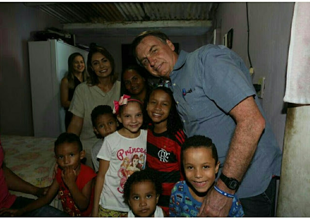 Bolsonaro encontra Yasmin Alves