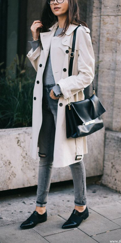 Looking for casual winter outfits? Consider these 23 Fabulous Winter Outfits To Get You Through The Season with Style. Fashion for Women via higiggle.com | winter fashion for work with coat | #winter #fashion #coat #jeans