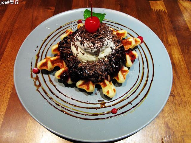 IMG 6896 - 【台中美食】樂丘廚房 獨創美式鬆餅堡 || 燉飯 || 義大利麵 || 烈日鬆餅 || 每樣都好好吃 甜品控的最愛!!!