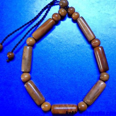 gelang dari bambu