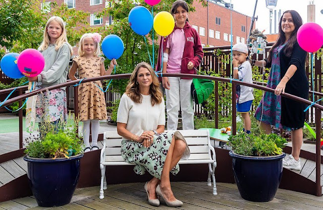 Min Stora Dag or My Special Day. Princess Madeleine wore a green floral print midi skirt and white top