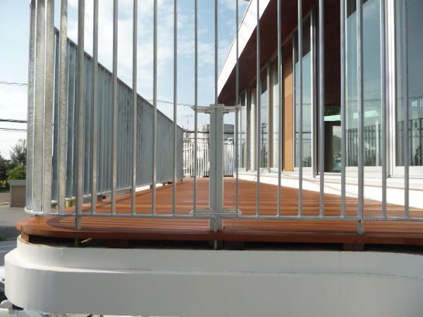 セランガンバツウッドデッキ施工事例写真