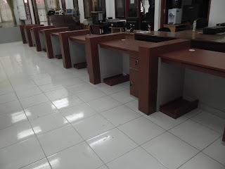 Meja Front Desk Berderet Berjejer + Furniture Semarang