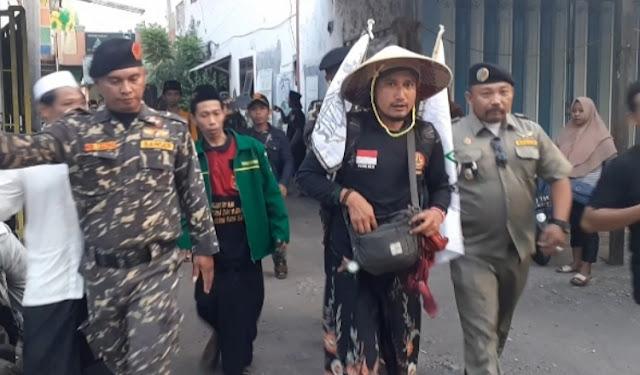 Tepati Nadzar, Anggota Ansor Jalan Kaki dari Pasuruan ke Jakarta Temui Ketum PBNU