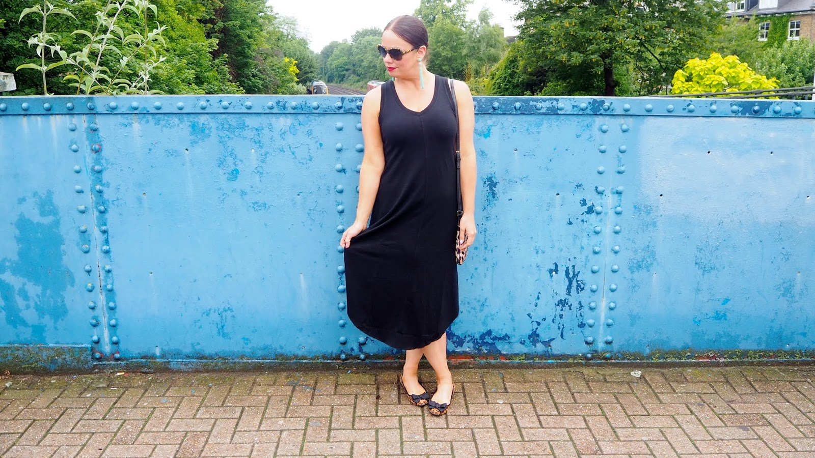 Easy-Going Black Dress