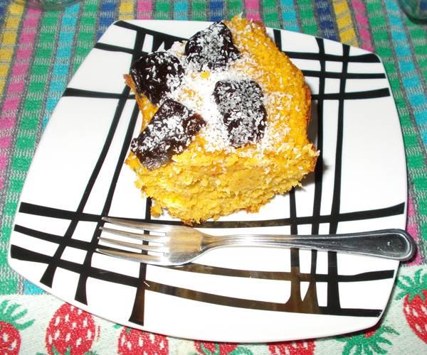 Bolo de aveia com cenoura e frutos secos