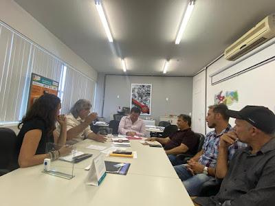 Prefeito do Amparo discute início das obras da nova escola estadual com Secretário de Educação da Paraíba