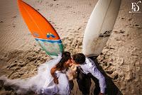ensaio pré-casamento pré-wedding realizado na praia do rosa em santa catarina com um casal apaixonado por praia e surf com a participação especial do cachorro de estimação organizado por fernanda dutra eventos cerimonialista em porto alegre e em portugal especializada em destination wedding para brasileiros na europa