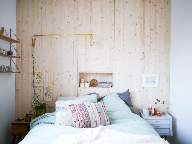 DIY cómo hacer una pared de madera en el cabecero de tu cama