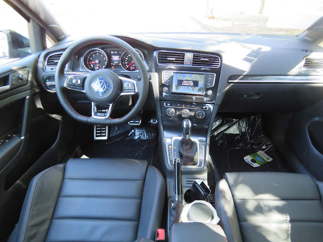 VW Golf GTI 2017 - interior