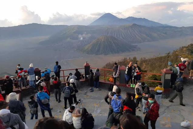 Semua Pengunjung Yang Pendaki Gunung Bromo Saat Tahun Baru Wajib Rapid Test Antigen