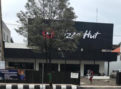Pizza Hut membuka lowongan kerja di pati untuk posisi Crew Waiter & Kitchen dengan kualifikasi :