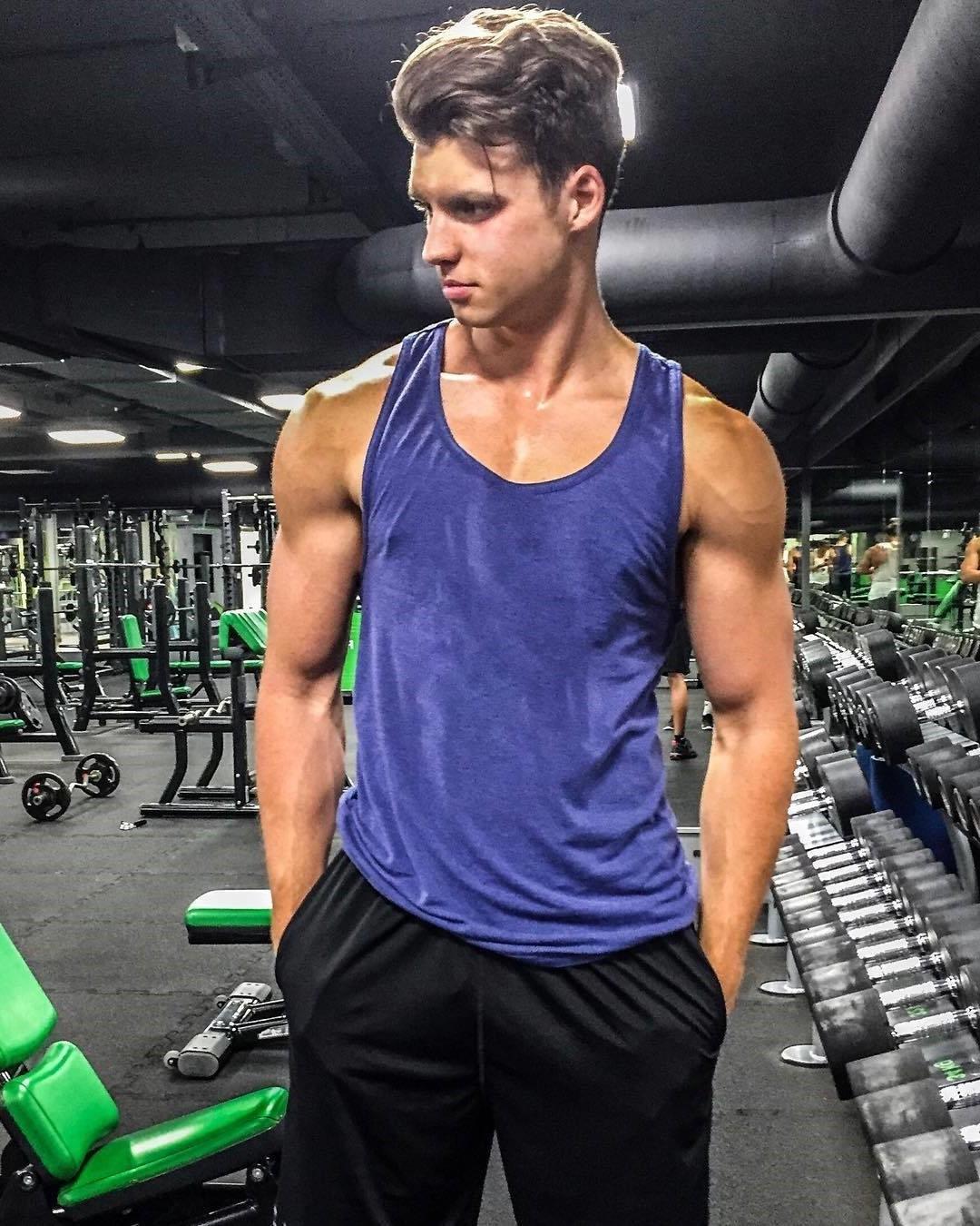 ordinary-boy-next-door-sweaty-gym-bro-pictures