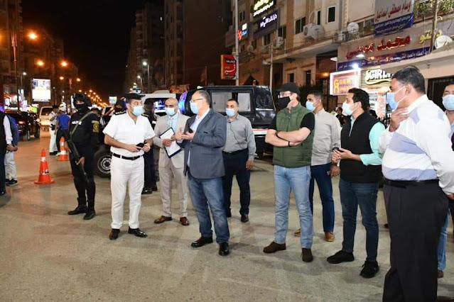 خلال جولة مفاجئة.. محافظ الفيوم ومدير الأمن يقودان حملة مكبرة لرفع الإشغالات ومتابعة التزام المواطنين بالإجراءات الاحترازية