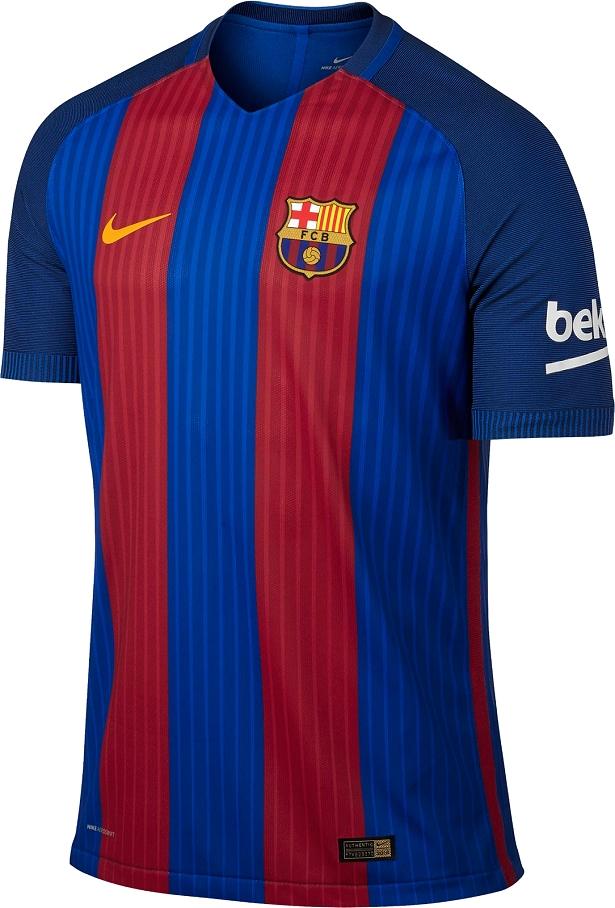9487a20976 04 - PSG - A nova camisa do Paris Saint-Germain para a temporada 2016 2017  custa 140 euros (R  565) na loja oficial e quem quiser colocar o escudo de  ...