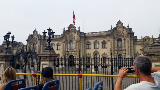 Lima, Peru, Melanie.Ps, The Purple Scarf, Travel, South America, Backpacking, Explore, Woman, Canadian, Tourist, Plaza Mayor, Governemnt Palace