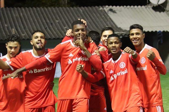 Internacional elimina o Cruzeiro de Santiago-RS na Copa Santiago de Futebol de Base