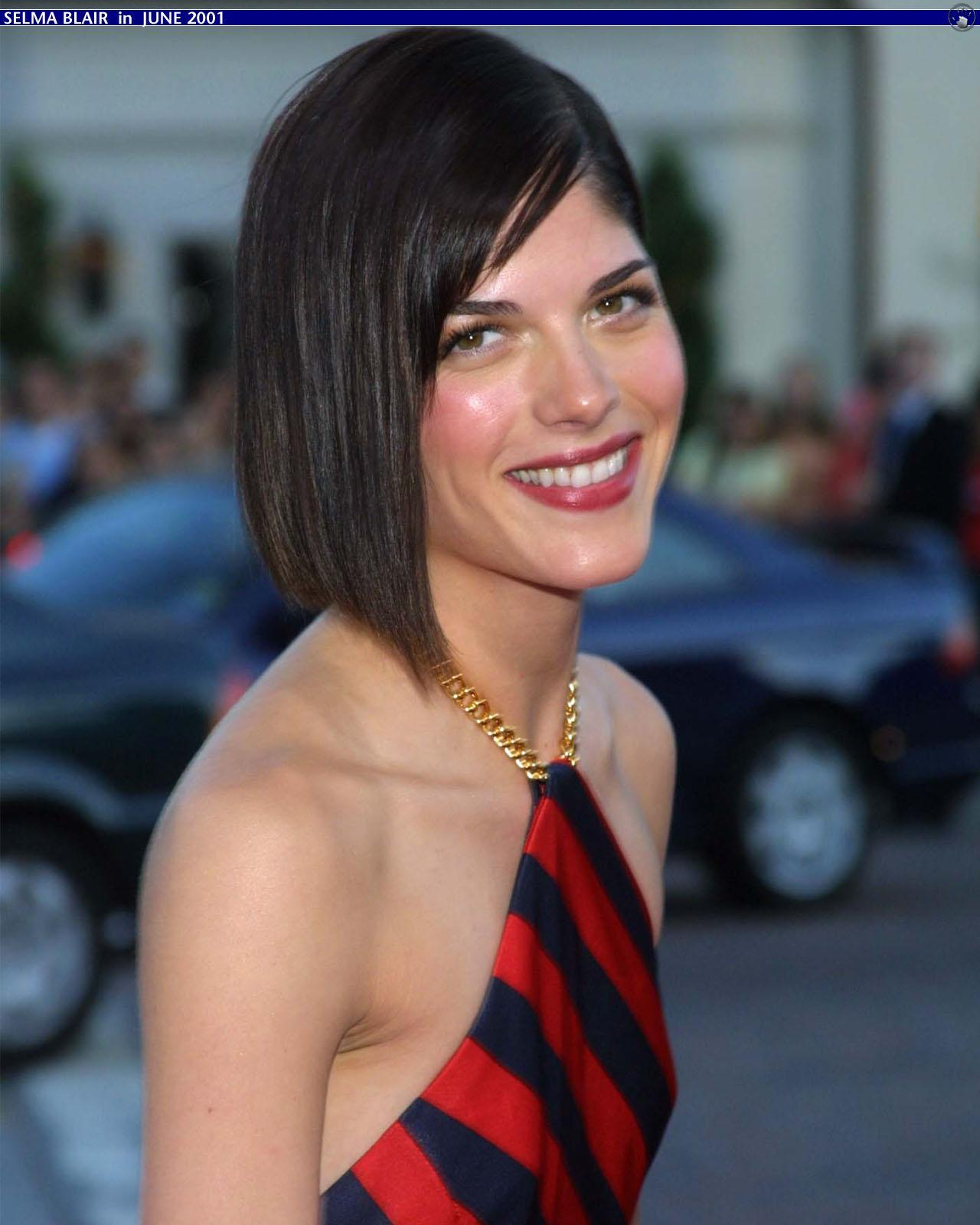 Actress Selma Blair reveals multiple sclerosis diagnosis