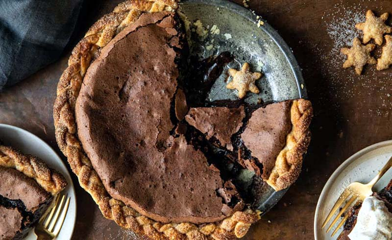 Molten Chocolate Crackle Pie