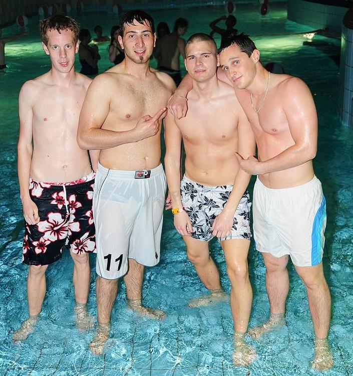 2b2c628a9d Boxers Under Swim Shorts