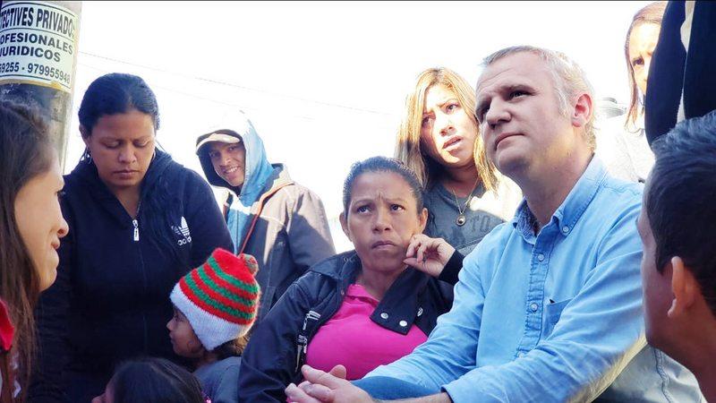 Felipe Kast quiere que venezolanos reciban salvoconductos