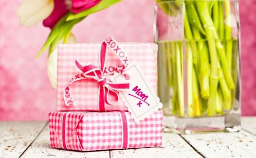 Birthday Gift Ideas for 70th Mom