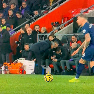 Mourinho booked for taking a look at Southampton's tactics