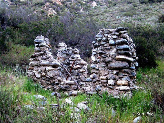 There are at least a dozen of the old miner's cabins in the East Fork, probably dating back to the 1800s.