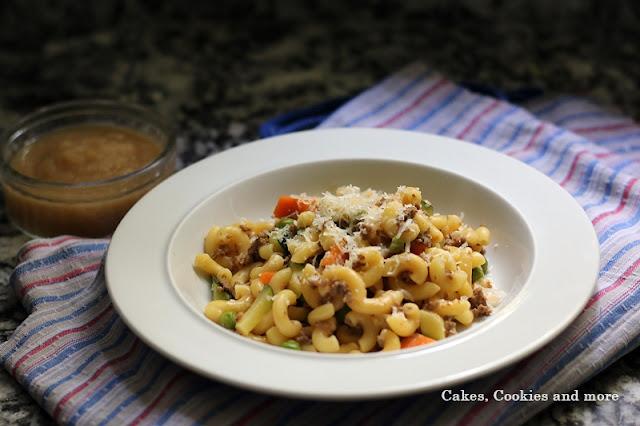Rezept für One Pot Pasta mit Hörnli, gehacktem und Zucchetti