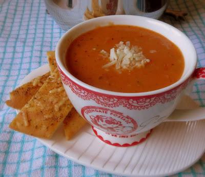 Creamy Tomato & Basil Soup