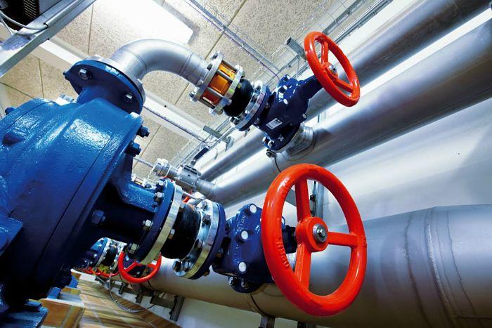 Válvulas industriales en líneas de tuberías