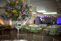 casamento com cerimônia na igreja são pedro porto alegre e recepção no salão de eventos do clube caixeiros viajantes com decoração delicada e linda organização e cerimonial de life eventos especiais