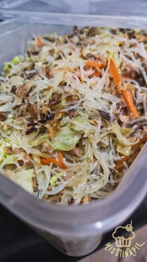 Tinapay's Kitchen: Easy Bihon for less than 200!