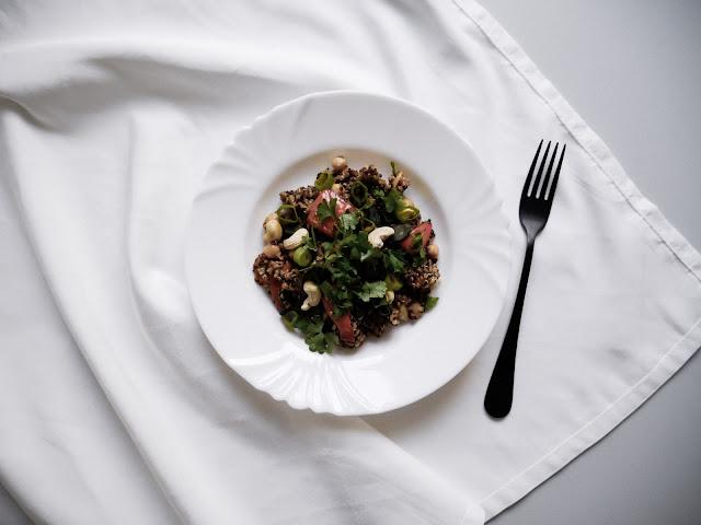 Quinoa s pečenou dýní a cizrnou