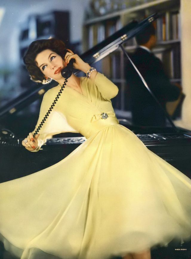 Stunning Fashion Photography by Karen Radkai in the 1950s
