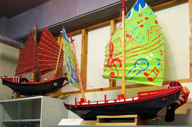 model saling ships displayed in museum