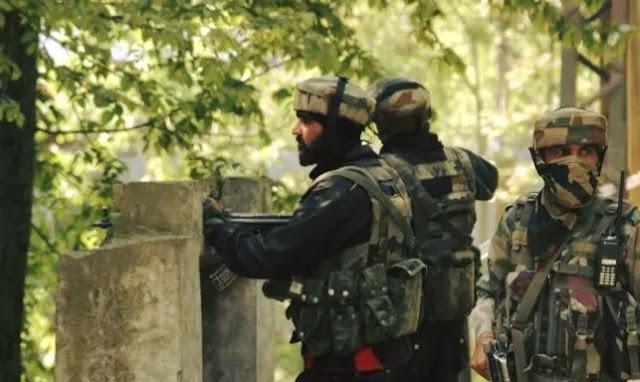 कश्मीर के हंदवाड़ा मुठभेड़ कर्नल और मेजर सहित पांच जवान शहीद , 2 आतंकवादी मारे गए