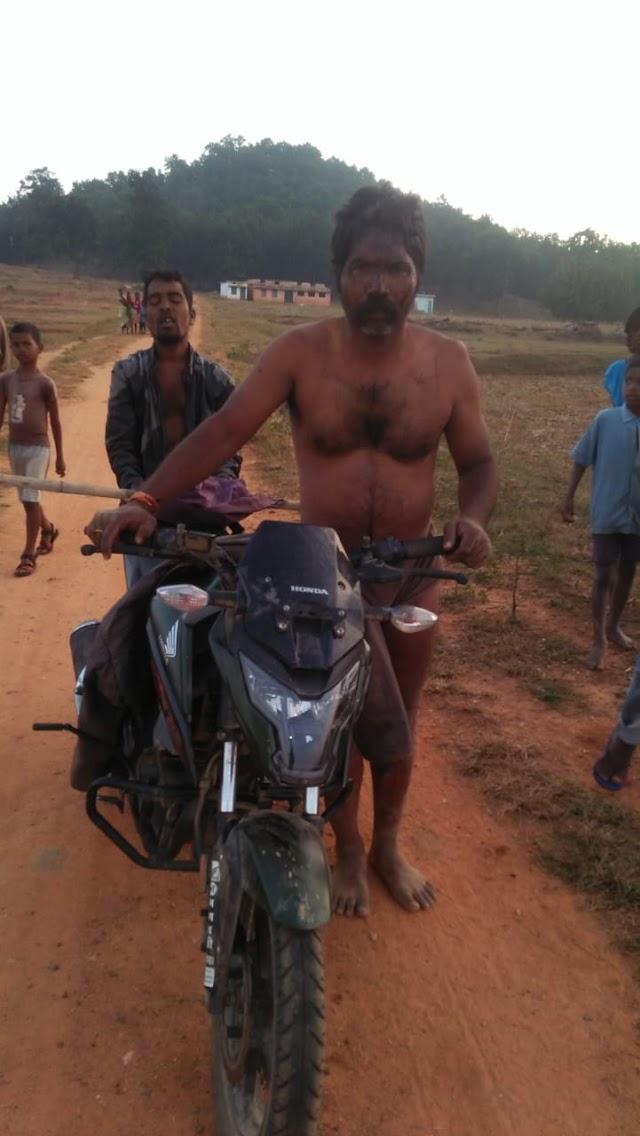 BREAKING पत्रवार्ता :भीड़ ने किया नंगा,दौड़ा-दौड़ाकर की पिटाई,ग्रामीणों का अमानवीय चेहरा आया सामने,जान बचाकर भागे बदमाश,