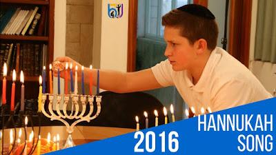 La canción de Hanukkah es cantada por The Boys Town Jerusalem Choir en el campus de Jerusalén de Boys Town. Janucá es el festival de las luces. Janucá se celebrada por 8 días iluminando la Menorá. Es un festival muy alegre, con mucha canción y comiendo muchos alimentos aceitosos como donas y latkes.