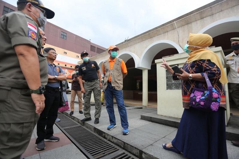 Sekda Tinjau Lokasi Pemasangan Wastafel Cuci Tangan di Area Publik