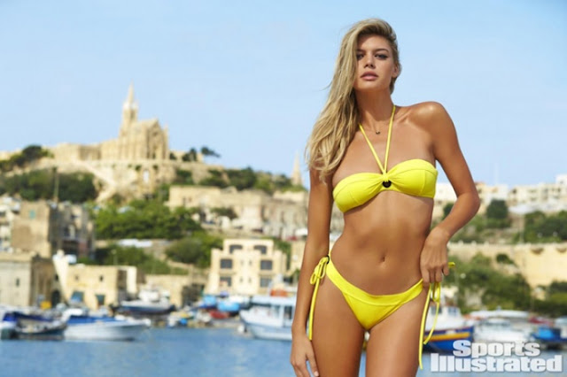 Hot girls Kelly Rohrbach sexy Bikini at Baywatch 4