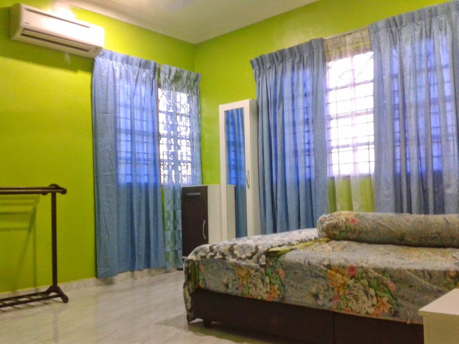 Homestay Ini Merupakan Sebuah Rumah Banglo 2 Tingkat Mempunyai 3 Bilik Tidur Air Dilengkapi Penghawa Dingin 1 Dan Kipas