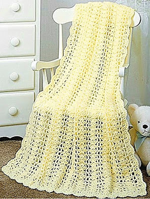 yellow crochet baby blanket 'April Showers' by Leisure Arts