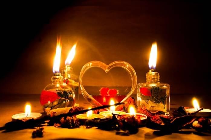 Пять эффективных ритуалов на любовь, которые можно провести, не выходя из дома