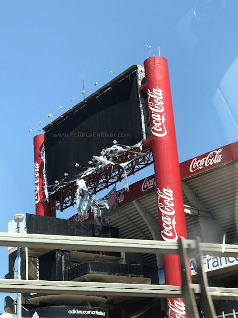 Destrozos; Cartel electrónico; River, River Plate, Estadio Monumental;